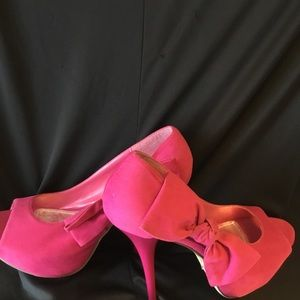 Bonnie let 5 inch heel- perfect for any occasion